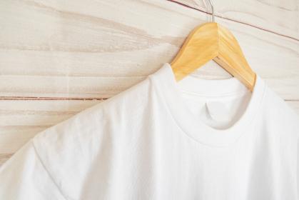 白色のシャツ 襟元のアップ 5478