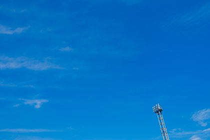青空と照明 スタジアム 競技場