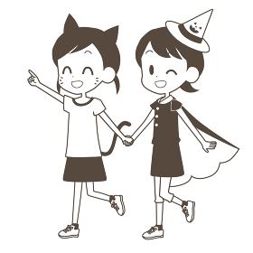 ハロウィンの仮装をする子供達