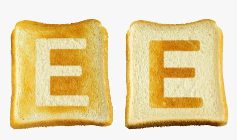 食パンに焼印風のアルファベットの大文字のE