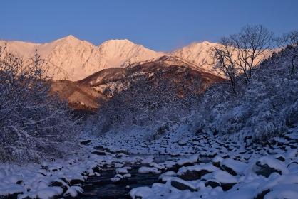 北アルプス 白馬村 冬景色