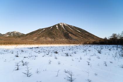 冬の日光男体山