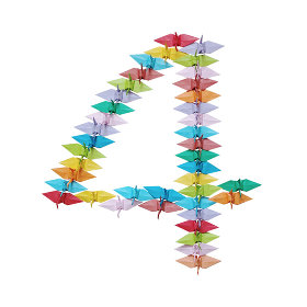 折り紙を並べて作った白バックの数字の4
