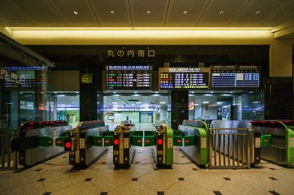 東京駅前 丸の内口 早朝 2018年6月撮影