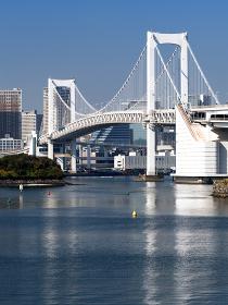 レインボーブリッジと東京港