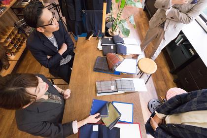 ファッションのデザイン事務所・オーダースーツの販売店