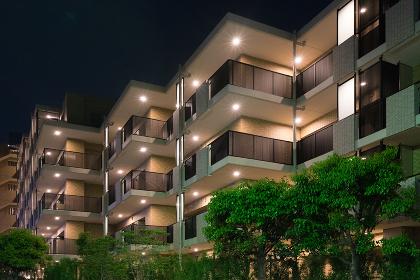 新築の高級マンション(夜景)