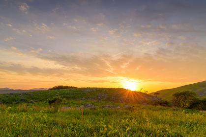 初夏の平尾台の夕焼け