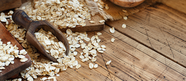 Rolled oats with a spoon