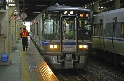 鉄道 JR西日本・北陸本線金沢駅 521系電車