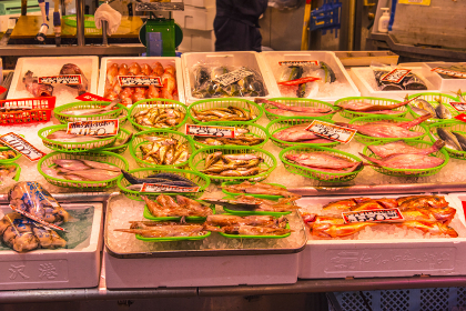 市場の魚介類