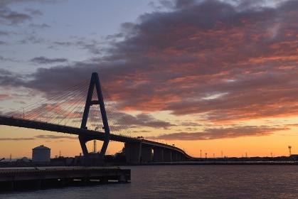 名港東大橋