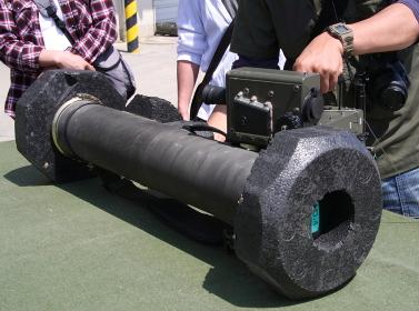 01式軽対戦車誘導弾の展示(2010年伊丹駐屯地基地祭イベント)