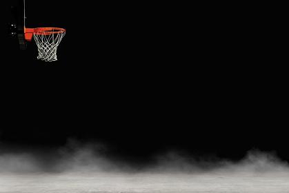 背景素材 / バスケットボールのゴールと砂嵐の舞うグラウンド イラスト
