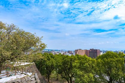 夏の熊本城からの眺める熊本市街地