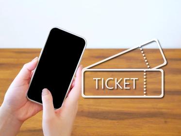 クーポンチケットとスマートフォン