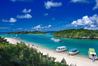 沖縄県・石垣島 夏の川平湾の風景