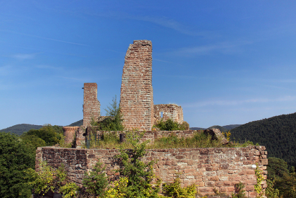 ruin grafendahn in dahner burgenland