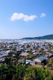 高台から見る高知県の町並み