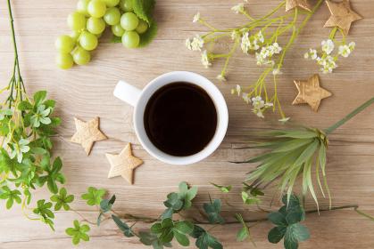 コーヒーのあるテーブルフォト
