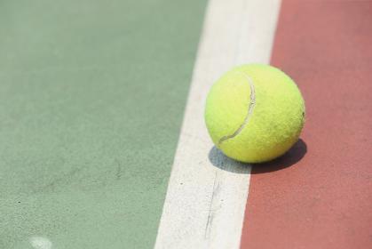 テニスボール