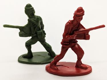 緑の兵士VS赤い兵士