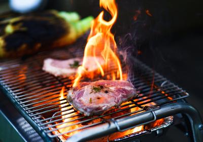 BBQで豚肉の香草焼きを作る【アウトドアイメージ】