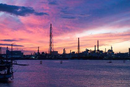 北九州工業地帯の夕暮れ