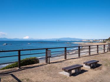 早春の葉山町 大浜海岸の風景 2月