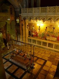 イスラエル・エルサレムにある聖墳墓教会のイエスキリストの墓縦位置