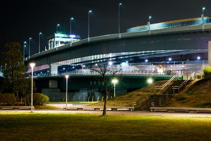 高速道路 夜景