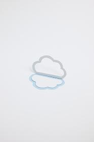 クラウド(雲)のイメージ (※B・縦・薄い青)