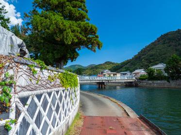 伊豆半島、松崎町を流れる川の風景 9月
