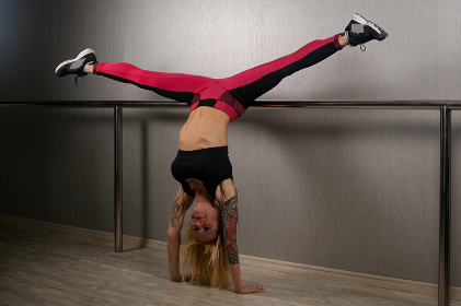 hand stand with straddle legs