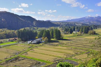 秋 骨寺村荘園遺跡地区と栗駒山