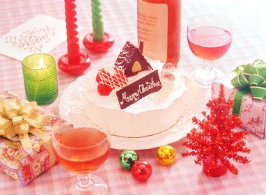 クリスマスケーキとワイン