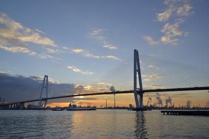 名港中央大橋