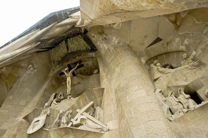 彫刻と十字架