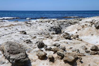 石見畳ヶ浦 景勝地の海岸と奇石