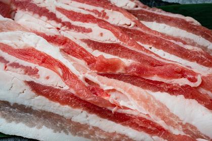 豚バラ肉薄切り