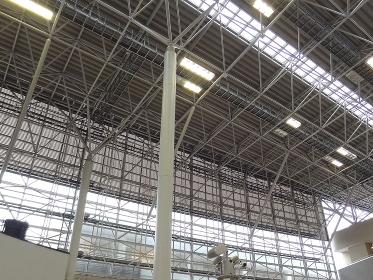 鉄パイプ骨組みの天井