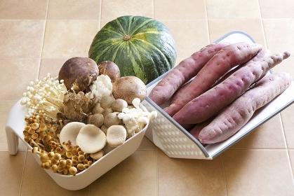 秋の食材キノコと野菜