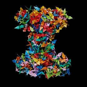 折り紙の鶴を集めて形作ったアルファベットのI