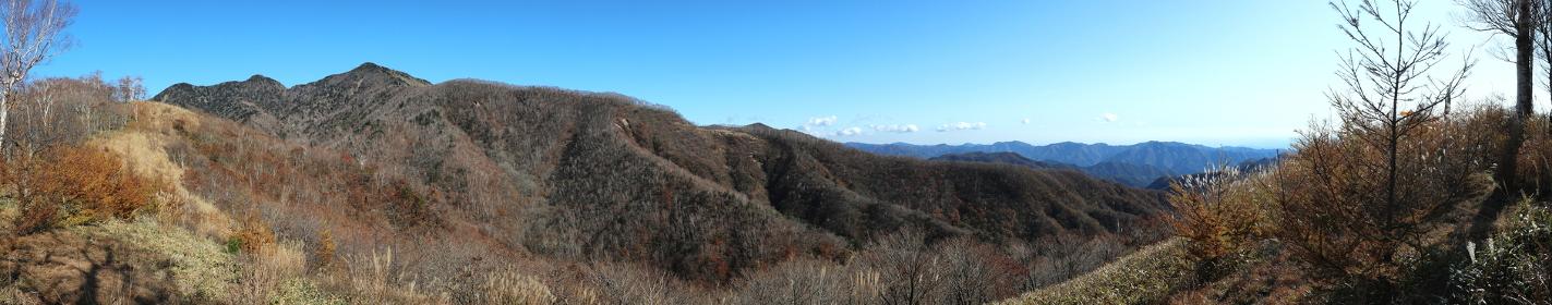 群馬県・袈裟丸山からの大パノラマ (秋/紅葉)