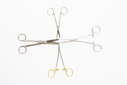 手術で使用する医療器具