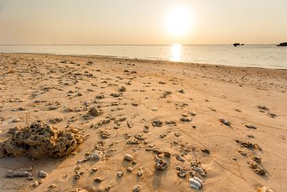 日本の最南端、沖縄県波照間島のニシ浜