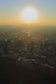 西新宿日没太陽
