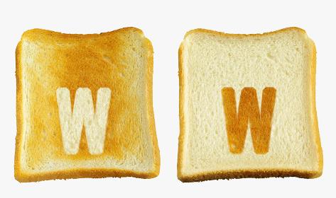 食パンに焼印風のアルファベットの小文字のw