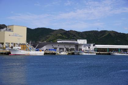 女川港の魚市場外観、宮城県女川町