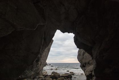 ぶっ通し岩